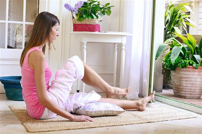 casado masaje sentado en la cara