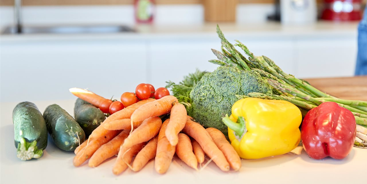 Las 4 mejores sopas fr as para hacer en casa for Cenas frias ligeras