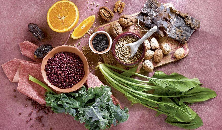 Los 10 mejores alimentos para prevenir la osteoporosis - Alimentos naturales ricos en calcio ...