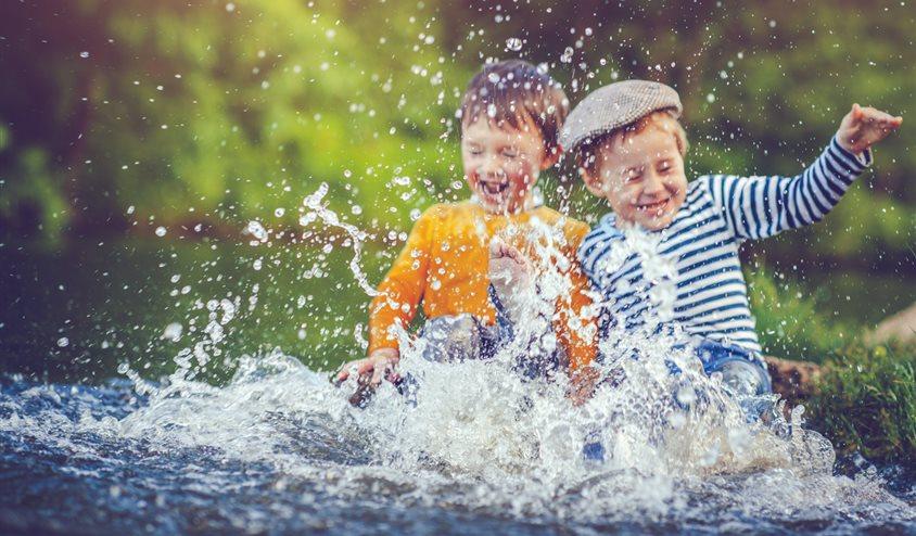Cuando no te entiendes con tu hermano: causas y soluciones