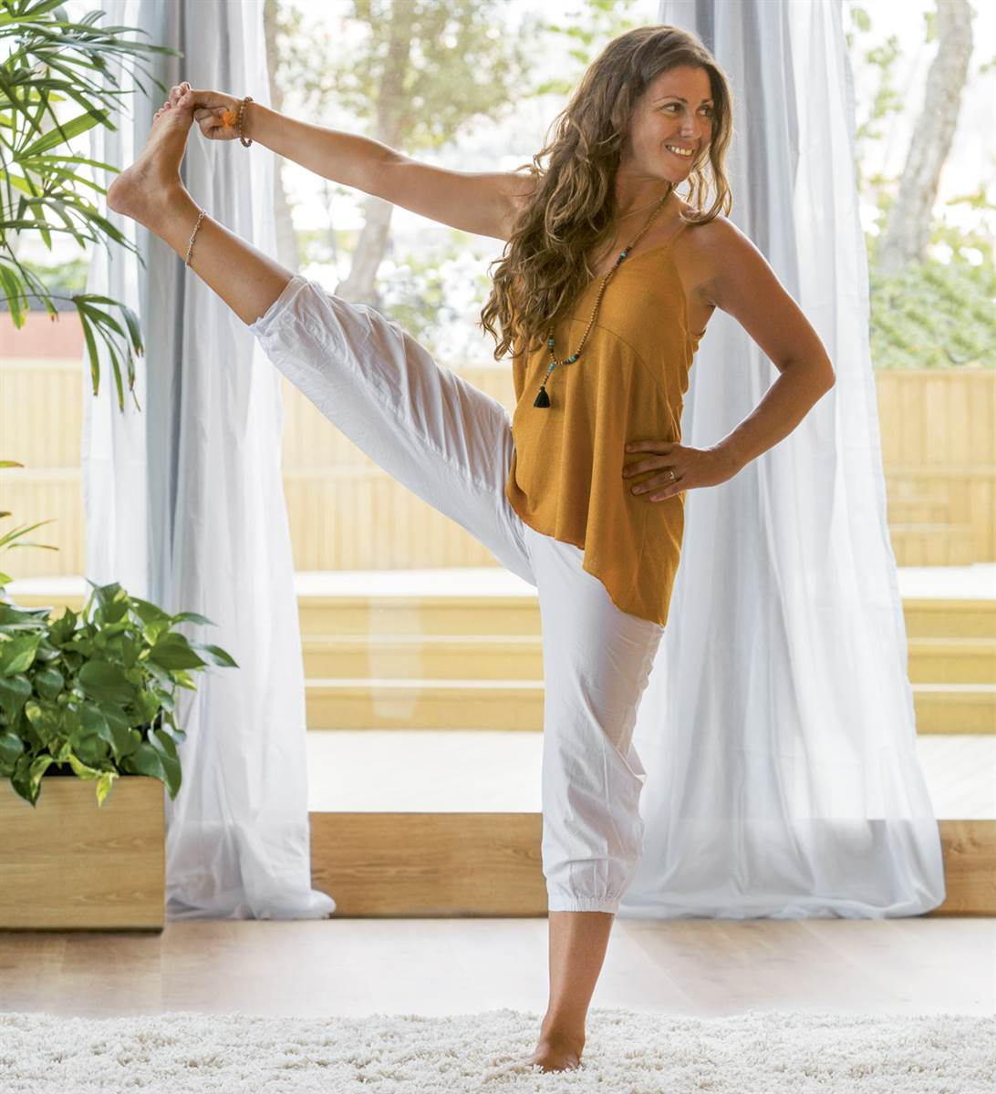 5 asanas de yoga para ganar equilibrio físico y mental 39679bf37f42