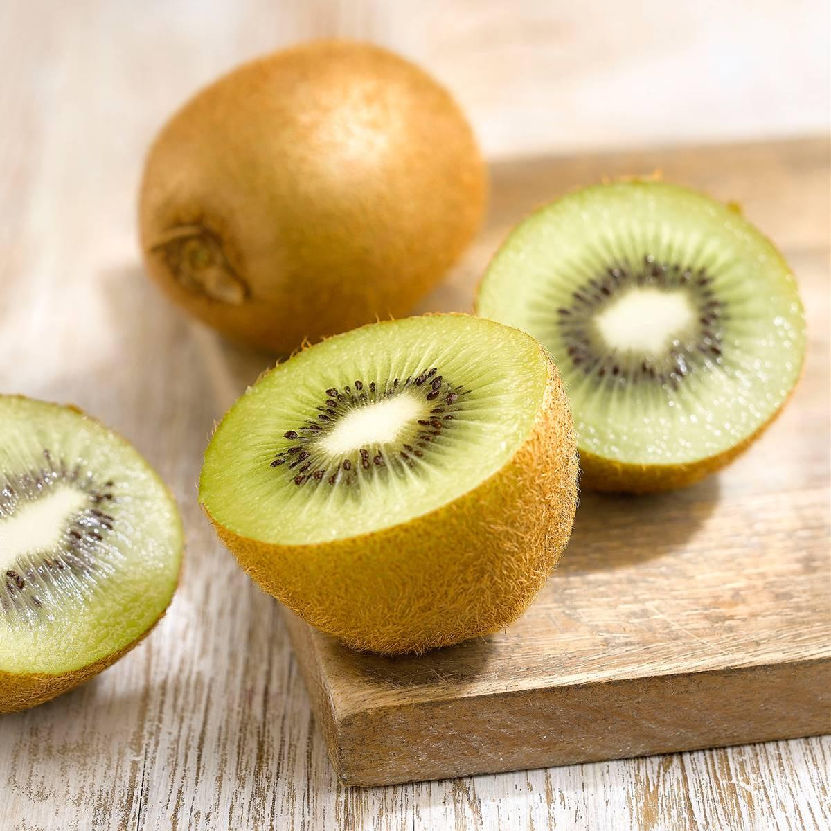Kiwi Propiedades Beneficios Calorías Y Vitaminas