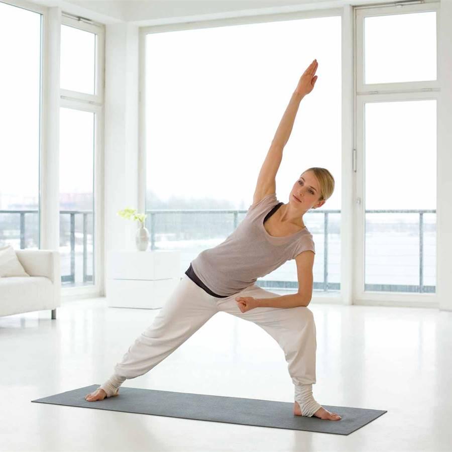 12 ejercicios de yoga en casa para unas caderas flexibles