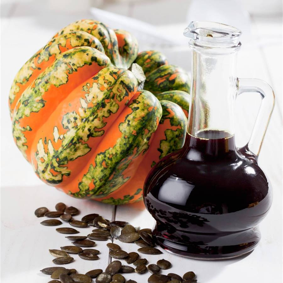 Descubre el saludable aceite de semillas de calabaza (y tres recetas únicas)