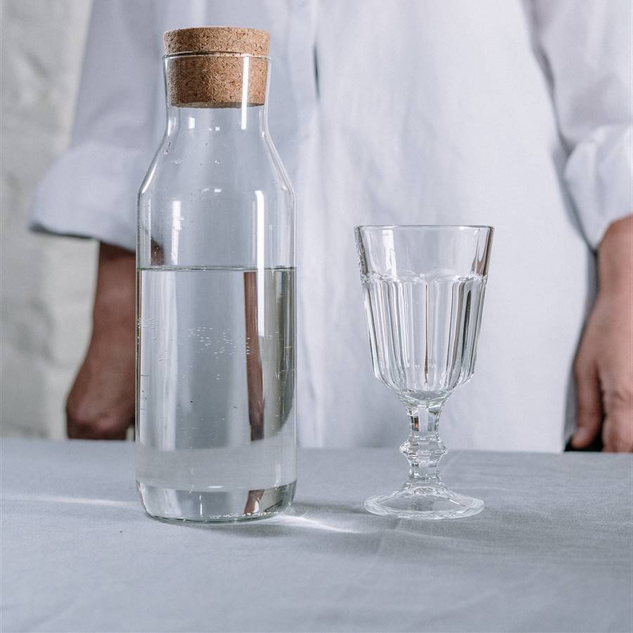 Cómo limpiar por dentro las botellas de vidrio