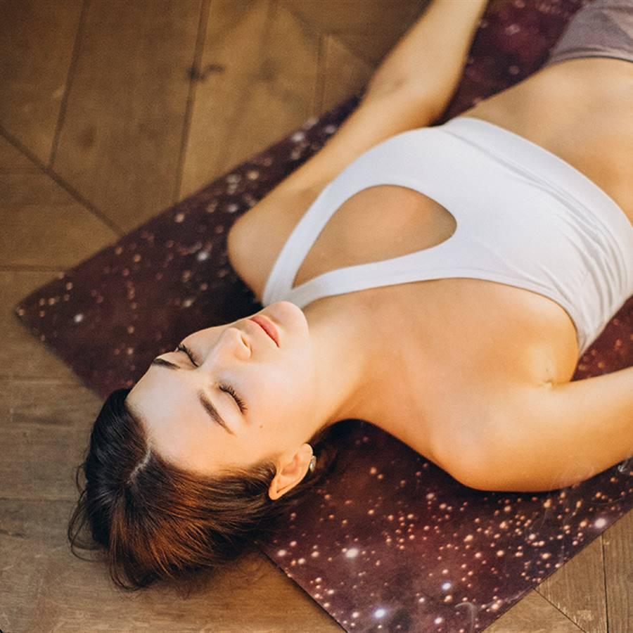 4 posturas de yoga para dormir mejor